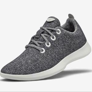All birds Charcoal Gray Wool Runners SZ 9